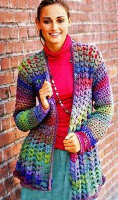 Casaquinho de malha com padrão de crochet