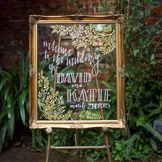Ok this lucite sign with pretty calligraphy and a gold frame? Luuuurve. No shortage of beautiful wedding ideas on the blog today.  Styling, decor, design: @ringlerlove | Calligraphy: @smallchalk | Vintage rentals: @pretafete | Photo: @tasharaephotography #weddingideas #calligraphy