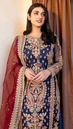 Beautiful Pakistani Dresses, Pakistani Formal Dresses, Pakistani Fashion Party Wear, Indian Fashion Dresses, Pakistani Dress Design, Indian Designer Outfits, Beautiful Dresses, Fashion Outfits, Walima Dress