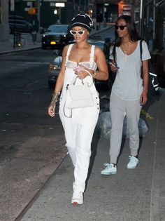 celebstills: Rihanna at NYC, September 2015