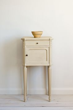 Vintage French Elegance upcycled side table painted with Chalk Paint® by Annie Sloan in Old Ochre, a soft warm cream neutral.
