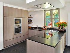 U keuken als houten keuken