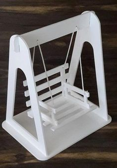 Barbie Furniture, Dollhouse Furniture, Kids Furniture, Woodworking Projects Diy, Wood Projects, Diy Home Crafts, Wood Crafts, Diy Para A Casa, Barbie Doll House