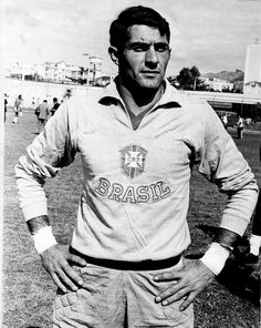 O goleiro Félix foi fundamental na conquista do tricampeonato mundial da seleção brasileira, tanto pela experiência, quanto pelas grandes atuações contra a Inglaterra e Itália.