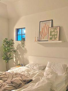 Room Design Bedroom, Room Ideas Bedroom, Home Bedroom, Bedroom Decor, Bedroom Inspo, Bedrooms, Room Ideias, Pastel Room, Minimalist Room