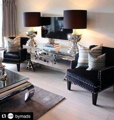 Vi elsker hjemmet til @bymads Utrolig lekkert og gjennomført Denne mannen kan virkelig interiør  #interior #design