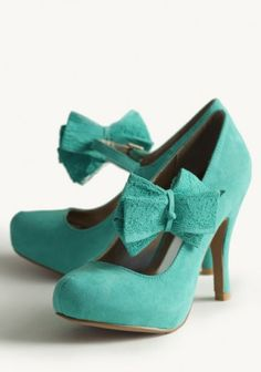 fresh lace bow heels
