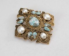 Vintage SARA COVENTRY Pearl / Turquoise Style Brooch.........J385  $19.99