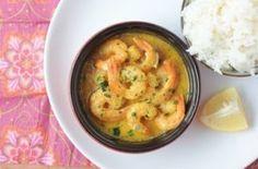Curry de crevette au lait de coco. Pour 6 personnes Préparation: 15 min Cuisson: 15 min PP: 8 points par personne Ingrédients: 6 gousses...