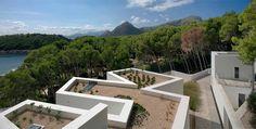Livro reúne os 61 anos de arquitetura do português Álvaro Siza Vieira