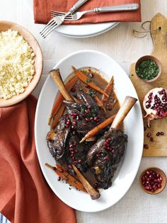 Pomegranate-Merlot Braised Lamb Shanks- I would use beef instead. Lamb Recipes, Meat Recipes, Slow Cooker Recipes, Cooking Recipes, Recipies, Dinner Recipes, Williams Sonoma, Barbacoa, Lamb Shank Recipe