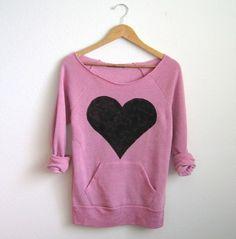 Black Heart Deep Scoop Neck Heather Artist Series Sweatshirt in Pink Look Fashion, Teen Fashion, Fashion Outfits, Womens Fashion, Heart Shirt, Heart Sweater, Moda Chic, Black Heart, Pull