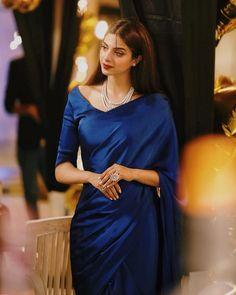 Indian Fashion Dresses, Indian Designer Outfits, Saree Fashion, Women's Fashion, Ethnic Outfits, Indian Outfits, Sarees For Girls, Simple Sarees, Simple Lehenga