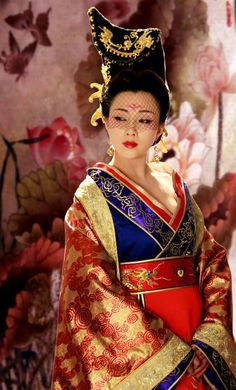 Chinese fashion and ancient costumes. Hanfu Traditional Clothing