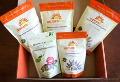 These snacks from NatureBox are SOOOO yummy and healthy! www.strawberrymommycakes.com #natureboxsnacks #CleverGirls