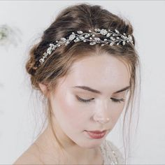 Wedding Inspiration by Debbie Carlisle X Isadora is the perfect choice for bohemian ethereal brides - and one of my faves from the new collection :sparkles::two_hearts:
