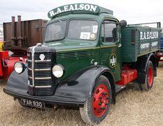 1939. Bedford OB Tipper. Vintage Trucks, Old Trucks, Bedford Truck, Old Lorries, Busses, Commercial Vehicle, Bike Design, Classic Trucks, Old Cars