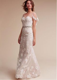 Attractive Tulle Scoop Neckline Sheath Wedding Dresses With Lace Appliques