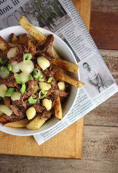 This super-simple crowd-pleasing recipe uses basic pantry ingredients that come together in a snap - you're free to play all day as dinner simmers in the slow cooker! Poutine, Easy Healthy Recipes, Crockpot Recipes, Canada Day Party, Lobster Roll Recipes, Pulled Beef, Sauce Barbecue, Slow Cooker Beef, A Food