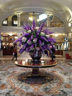 Oh, purple flowers are bloomed in my heart. Colour of sweetness. It was decorated my heart with colour of dreamy world Hortensien Arrangements, Hotel Flower Arrangements, Creative Flower Arrangements, Hotel Flowers, Grands Pots, Corporate Flowers, Church Flowers, Table Flowers, Silk Flowers