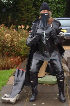 Heavy Rubber, Black Rubber, Firefighter Boots, Latex Wear, Wellies Rain Boots, Rubber Raincoats, Rubber Gloves, Wellington Boot, Sexy Boots