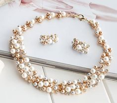 Wonderful Pearl Necklace With Earrings For Bride