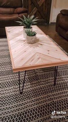 Wooden Coffe Table, Rustic Coffee Tables, Coffee Table Design, Coffee Table Top Ideas, Coffee Table Storage, Wooden Table Diy, Coffee Table Hacks, Diy Coffee Table Plans, Simple Coffee Table