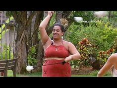 Polynesian Cultural Center Maori Poi Ball Twirling HD - YouTube