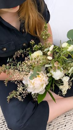 Blanc -vert Bouquet, Creations, Crown, Green, White People, Flowers, Corona, Bunch Of Flowers, Bouquets