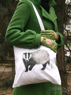 Check out this item in my Etsy shop https://www.etsy.com/listing/228951201/cotton-bag-with-a-painted-badger