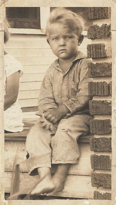 +~+~ Vintage Photograph ~+~+ Boy on porch
