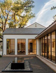 White Exterior Houses, Modern Farmhouse Exterior, Farmhouse Style, White Farmhouse, White Houses, Farmhouse Door, Farmhouse Ideas, Farmhouse Design, Architecture Design Concept
