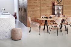 Combo Design is officieel dealer van Design on Stock ✓ Gratis offerte aanvragen Cavaletta eetkamerstoel ✓ Altijd de scherpste prijs ✓ Snelle levering Conference Room, Divider, Dining Table, Living Room, Furniture, Home Decor, Decoration Home, Room Decor, Dinner Table