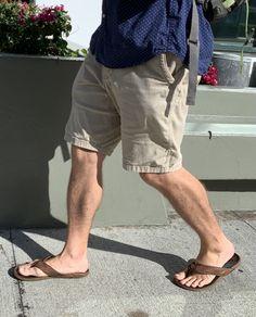 Barefoot Men, Mens Flip Flops, Hot Guys, Hot Men, Men In Uniform, Male Feet, Mens Fashion, Sandals, Casual