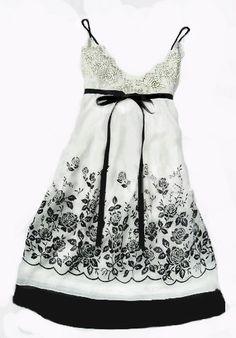 Empire chiffon dress with rose pattern white XS - Born2Style - Online Fashion Store