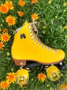 Moxi Roller Skates - Lolly Pineapple Yellow outdoor skates high top suede leather boots with vintage pinup lining Yellow Aesthetic Pastel, Aesthetic Colors, Pastel Yellow, Shades Of Yellow, Aesthetic Vintage, Mellow Yellow, Yellow Flowers, Yellow Peonies, Yellow Plants