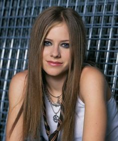 Klaus Borner shoot (Set - - AvrilPix Gallery - The best image, picture and photo gallery about Avril Lavigne - AvrilSpain. Avril Lavigne Style, Avril Lavigne Let Go, Avril Lavigne Photos, Pop Punk, Princesa Punk, Avril Levigne, Divas, Foto Top, Women In Music