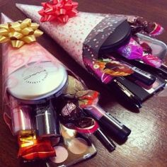 In search of best gifts for her? From birthdays to weddings to Valentines, and all those magical moments in between, here you'll find gifts for her for every occasion. Xmas Gifts, Craft Gifts, Cute Gifts, Valentine Gifts, Gift Bouquet, Candy Bouquet, Makeup Bouquet Gift, Makeup Basket, Mother's Day Gift Baskets