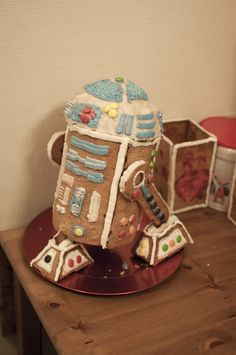 """Finished R2D2 gingerbread""""house"""" :) I had some fun :)"""