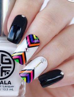 Autumn Nail Paints Nail Polish and Nail Caps Nail Art Ideas 103 December 20 2019 at nails Nail Art Stripes, Striped Nails, Manicure, Diy Nails, White Nail Polish, White Nails, Galeries D'art D'ongles, Aqua Nails, Tape Nail Art