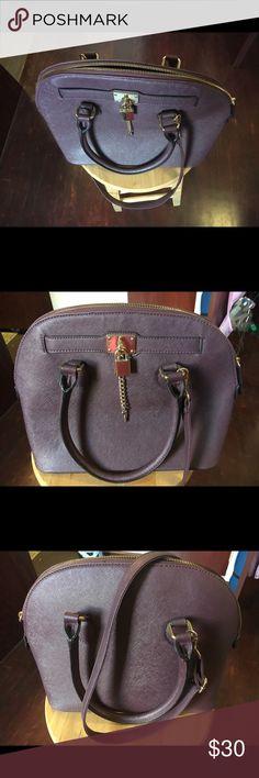 Aldo purse Maroon Aldo Frattapolesine purse. Great condition, used only a few times. As seen on Taylor Swift! Aldo Bags Satchels