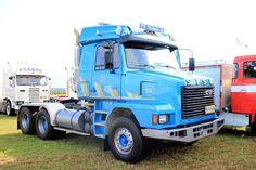Big Rig Trucks, Semi Trucks, Old Trucks, Custom Big Rigs, Custom Cars, Commercial Vehicle, Classic Trucks, Heavy Equipment, Cars And Motorcycles