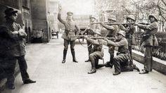 22редкие фотографии, которые непопали настраницы учебников    Расстрел коммуниста, Германия, 1919