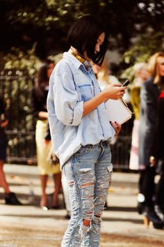 I had jeans like this .. LOVED them .. they were my fav! Maybe I'll have them again! :)