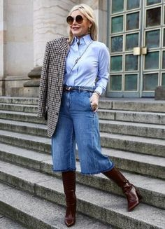 Fashion Over 40, Fashion Looks, Culottes Outfit, Oversized Blazer, Casual Chic, Autumn Fashion, Street Style, Jeans, Womens Fashion