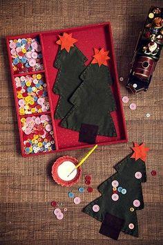 kit com árvore de tecido e enfeites para decorar