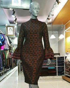"""SumNeua SIRINI Design"" #thainess #sawasdee #thaigril #thaidress #silk #thaiculture #thailand #cultures #tatthailand #northeastthailand… African Fashion Dresses, African Dress, Fashion Outfits, Blouse Batik, Batik Dress, Thai Dress, Silky Dress, Classy Outfits, Traditional Dresses"