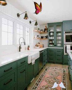 Mutfak Tadilatı ve Mutfak Yenileme Fikirleri   Evde Mimar Mutfak Tadilatı ve Mutfak Yenileme Fikirleri   Evde Mimar<br> Evinizi güzelleştirmek için mutfak tadilatı ve mutfak yenileme fikirleri sunacağımız içeriğimizde sizler için önemli bilgiler ve eşsiz örnekler sunmaya çalıştık. Burada mutfak tadilatı ile ilgili merak ettiklerinizi bulabilirsiniz. Green Kitchen Walls, Green Kitchen Cabinets, Kitchen Cabinet Layout, Painting Kitchen Cabinets, Light Green Kitchen, Teal Cabinets, Green Kitchen Island, Farmhouse Kitchen Cabinets, Modern Farmhouse Kitchens