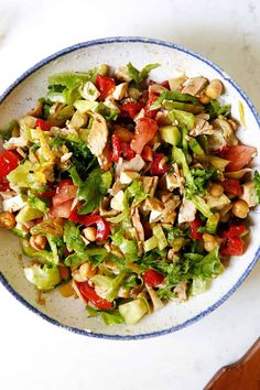 This chopped salad recipe is called my everyday salad because I never, ever get sick of it! It's simple, hearty, and everybody loves it! Chicken Chickpea, Chicken Salad, Grilled Chicken, Salads For Kids, Lexi's Clean Kitchen, Chopped Salad Recipes, House Salad, Fresh Mozzarella, Roasted Red Peppers