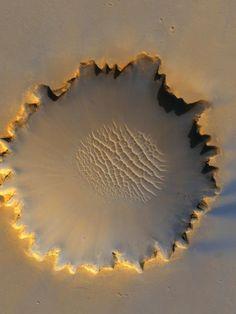 Marsjański krater Victoria. Co ciekawe nie powstał w wyniku uderzenia meteorytu.
